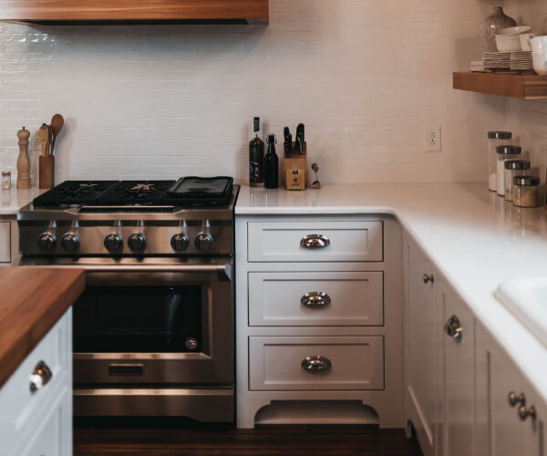 How To Choose Drawer Pulls and Knobs | Kitchen Remodel