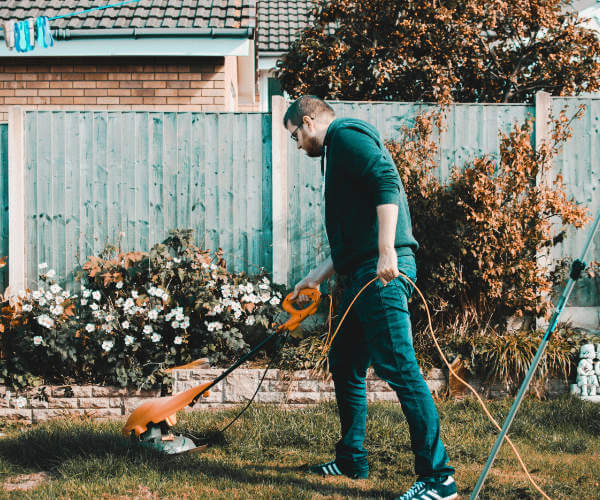 Summer Hardware: Top Summer Lawn Care Tools